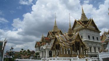 golden roof in bangkok