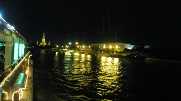 chaophraya in the night
